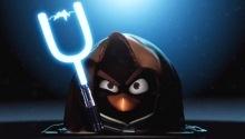 Свиньи из Angry Birds строят Звезду Смерти
